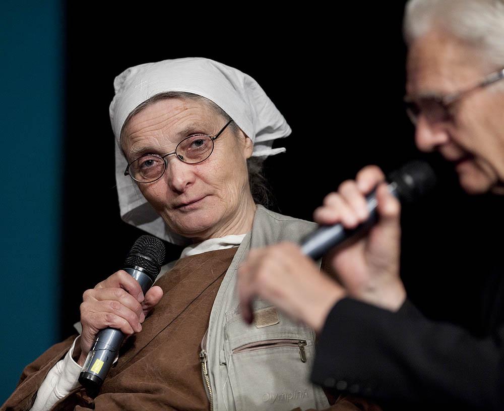 """S. Chmielewska: """"Pomagając, balansujemy na granicy prawa"""""""